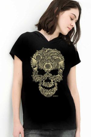 - Dövme Kurukafa Siyah Kapşonlu Kısa Kollu Kadın T-shirt
