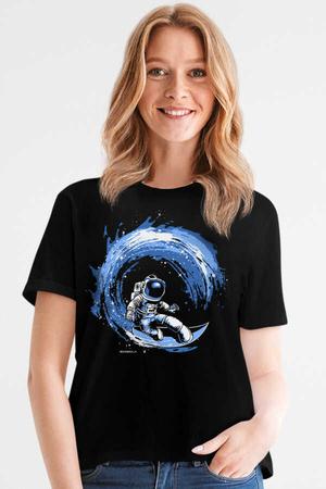 Rock & Roll - Galaktik Sörfcü Siyah Kısa Kollu Kadın T-shirt