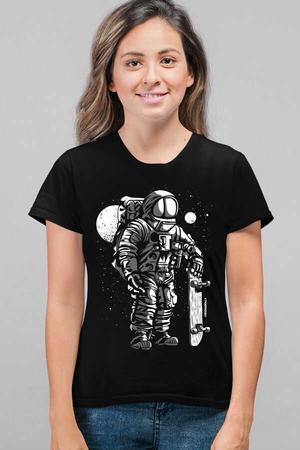 Rock & Roll - Kaykaycı Astronot Siyah Kısa Kollu Kadın T-shirt